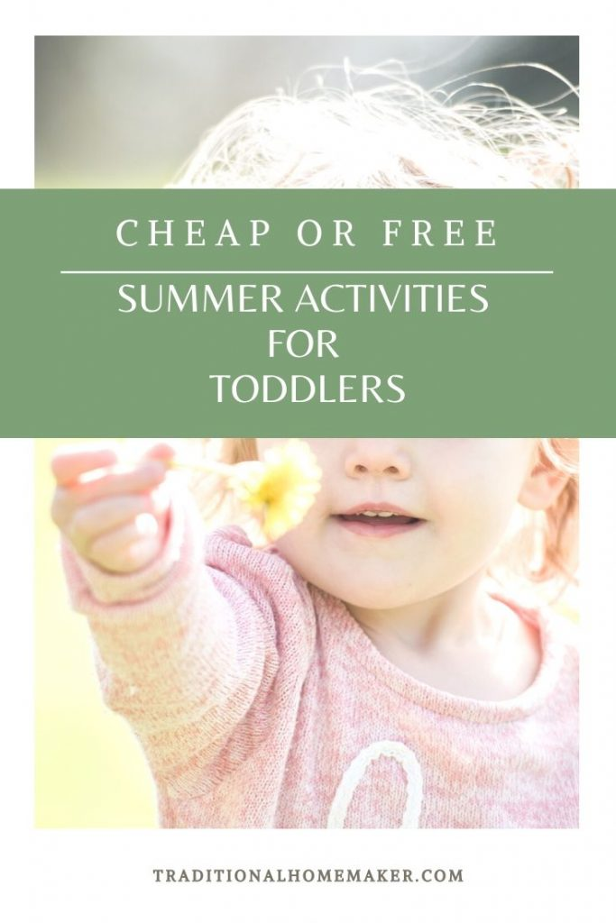 Cheap Summer Outdoor Activities for Toddlers: Get outside with the family this summer. Have fun with these affordable activities for toddlers.